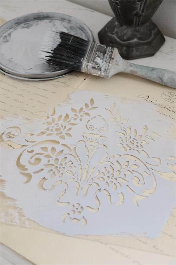 stencil vintage paint