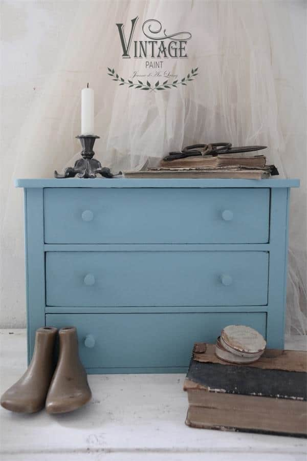 dusty blue vintage chalk paint
