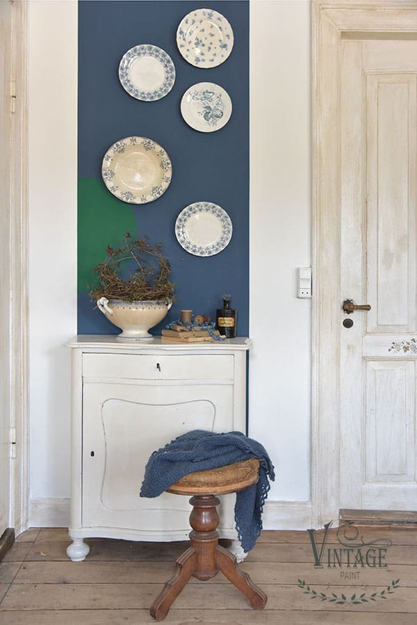 royal blue vintage chalk paint su muro autentico look gesso