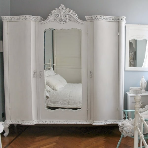 Restyling di un armoire french style con la VP
