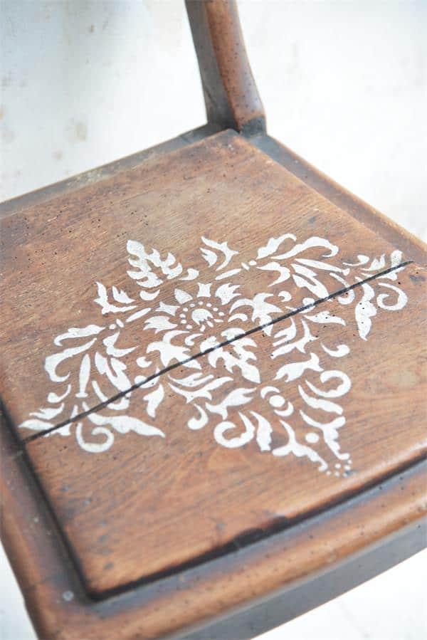 stencil florale grande per sedia