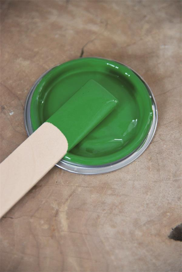 bright green Vintage chalk Paint autentico look gesso