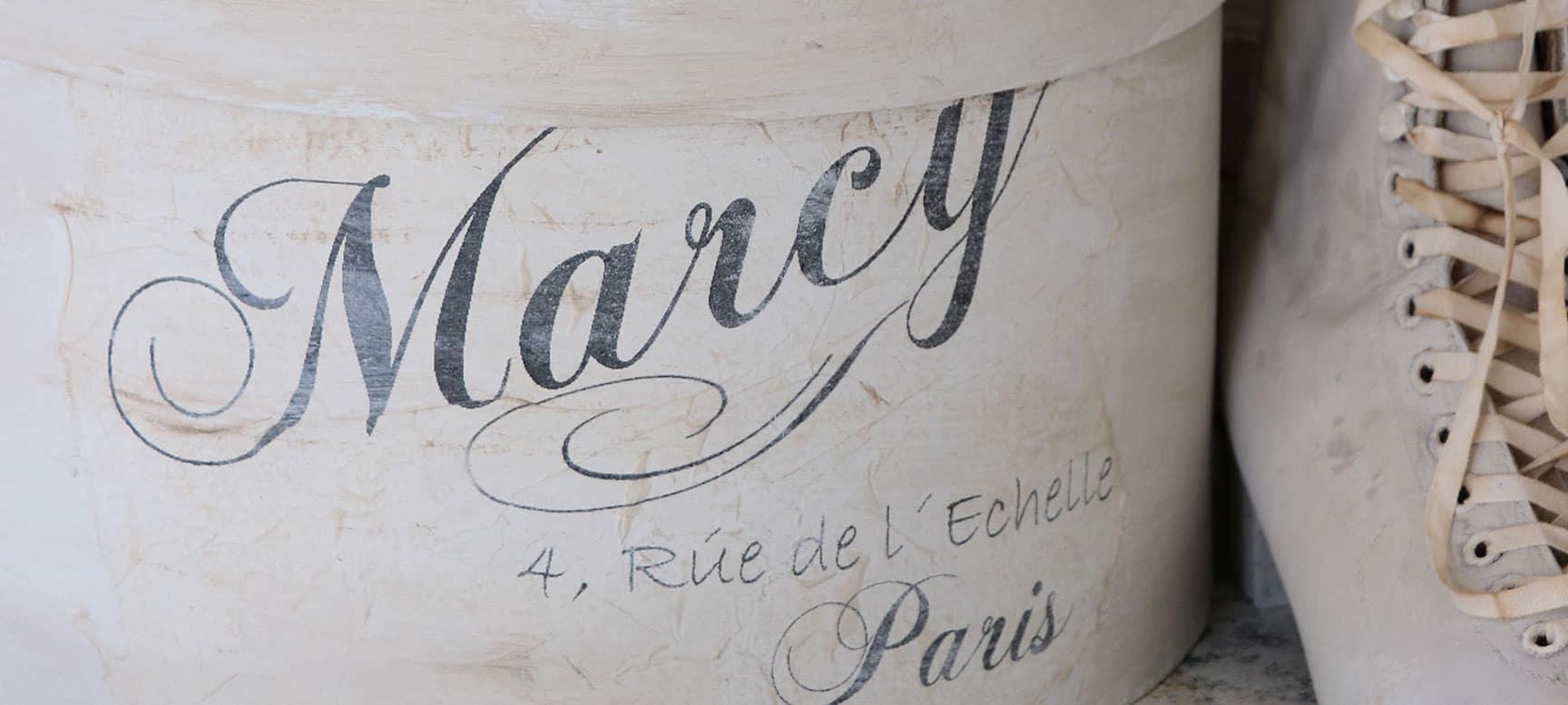 decorazioni shabby chic scritte french mobili