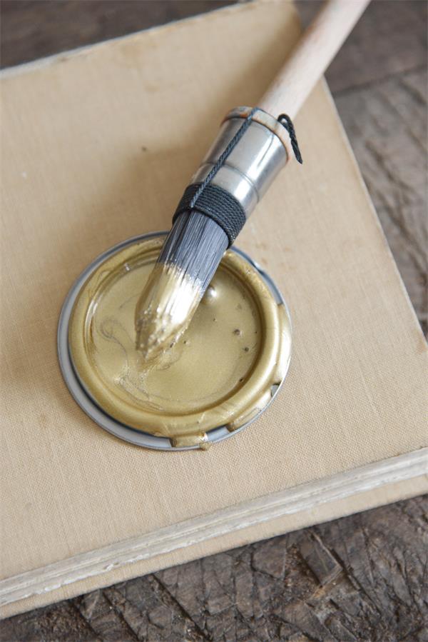pittura colore metallico oro