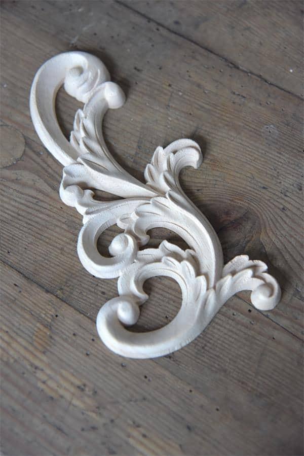 fregio in legno per decorare mobili e pareti