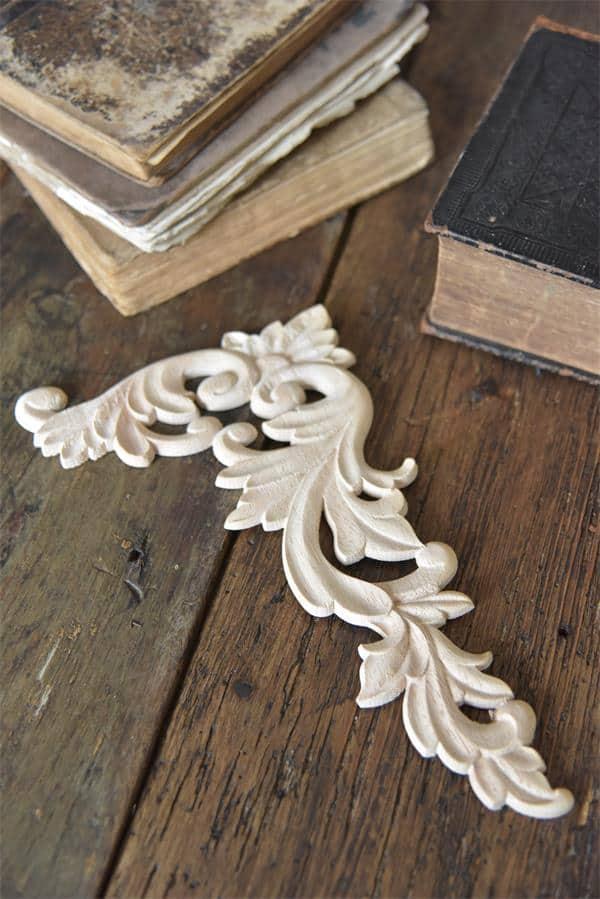 fregio decorativo puro legno per angoli