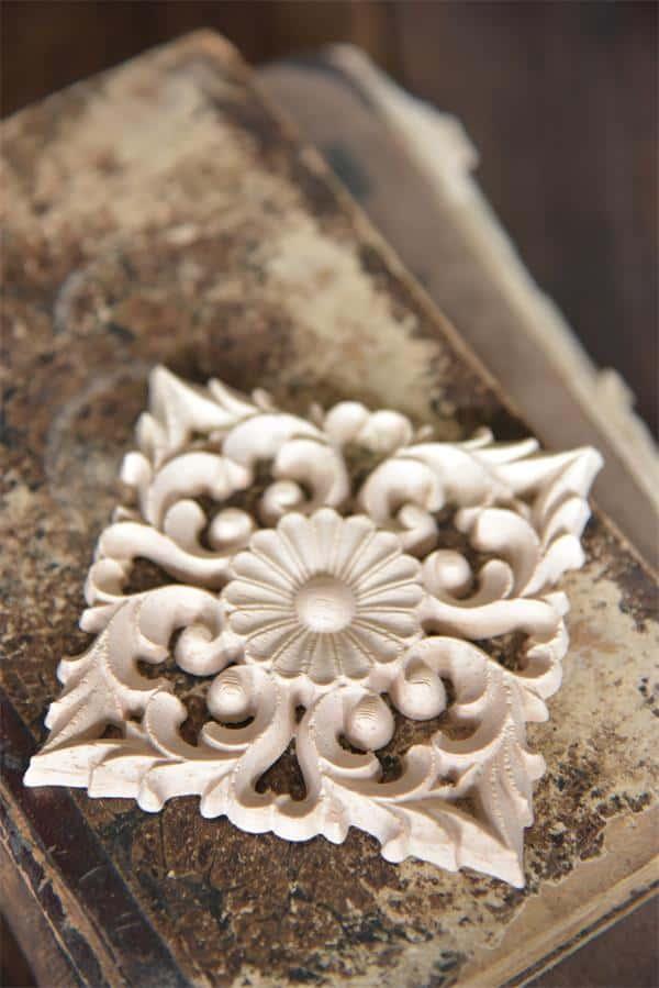 fregio decorativo puro legno quadrato